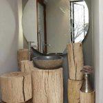Подставки и полочки для ванной комнаты из бревен