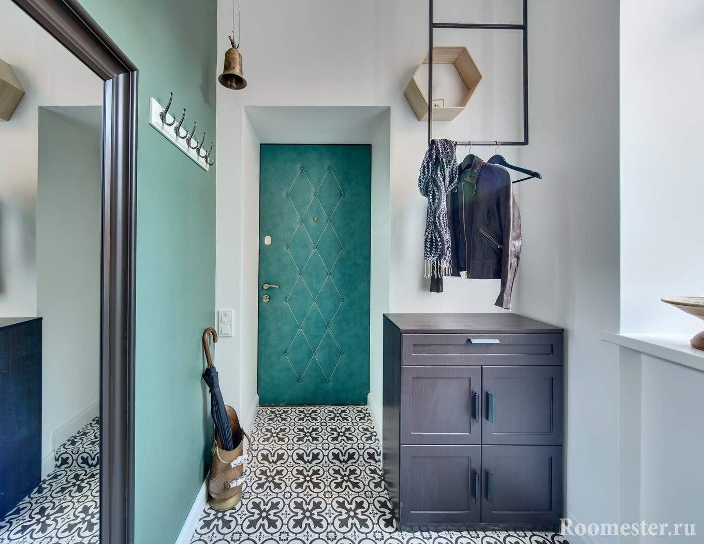 Бирюзовый цвет в коридоре