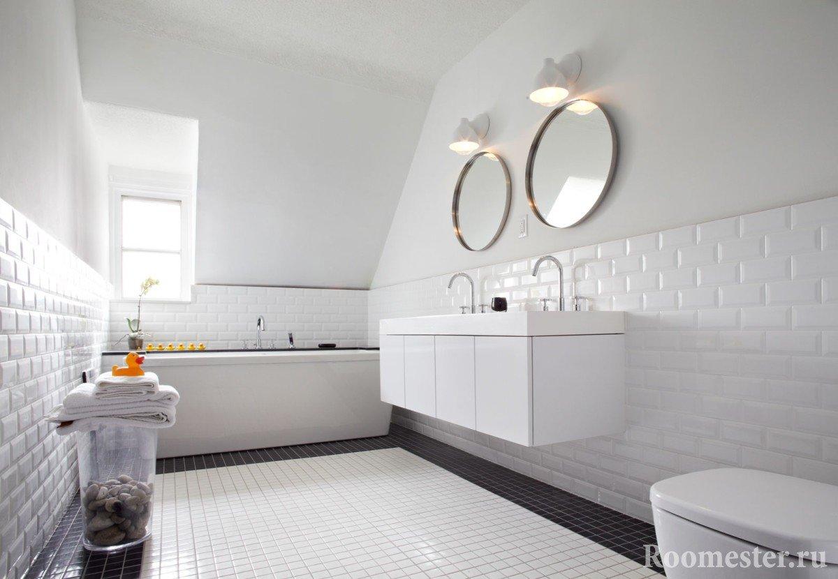 Зеркала над раковинами в ванной