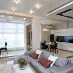 Бело-черная мебель на кухне