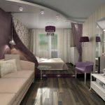 Интересный дизайн потолка в гостиной
