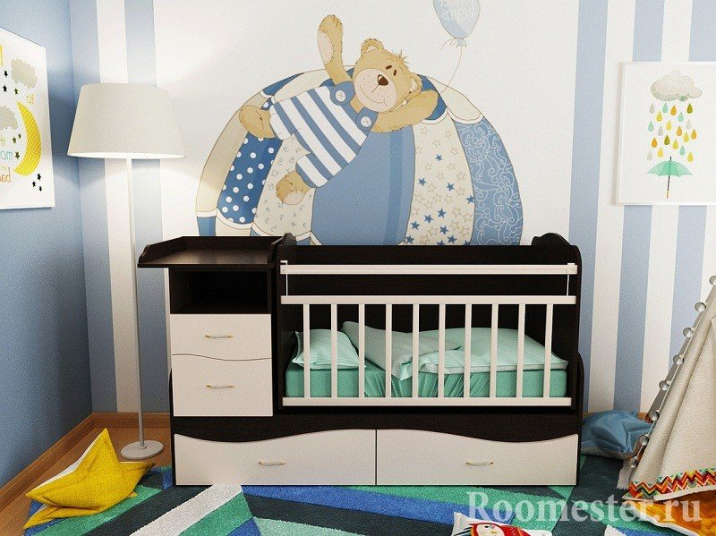 Медведь над кроваткой