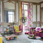 Разнообразие цветов в комнате