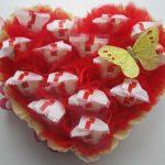 Оформление рафаэлок в форме сердца с бантами и бабочкой