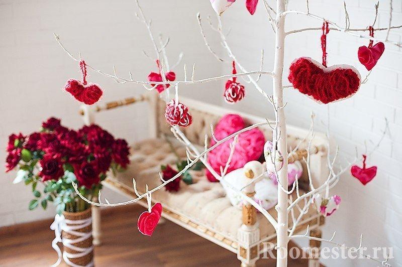 Подарки  из конфет и живых цветов 173