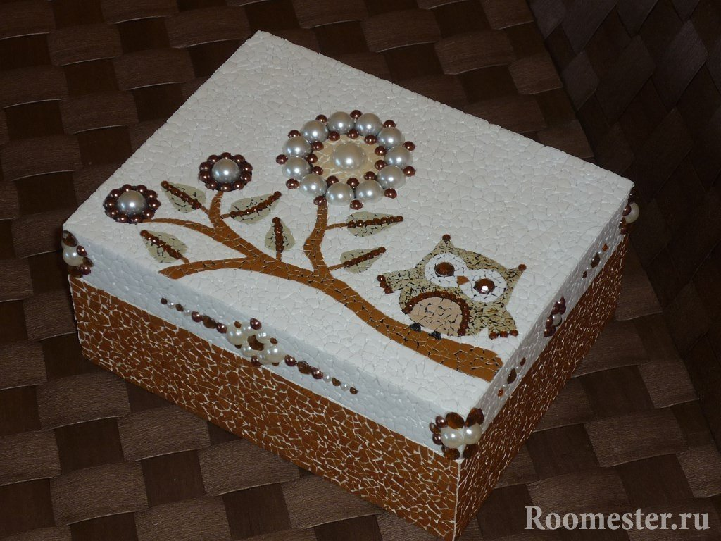 Декор шкатулки из яичной скорлупы
