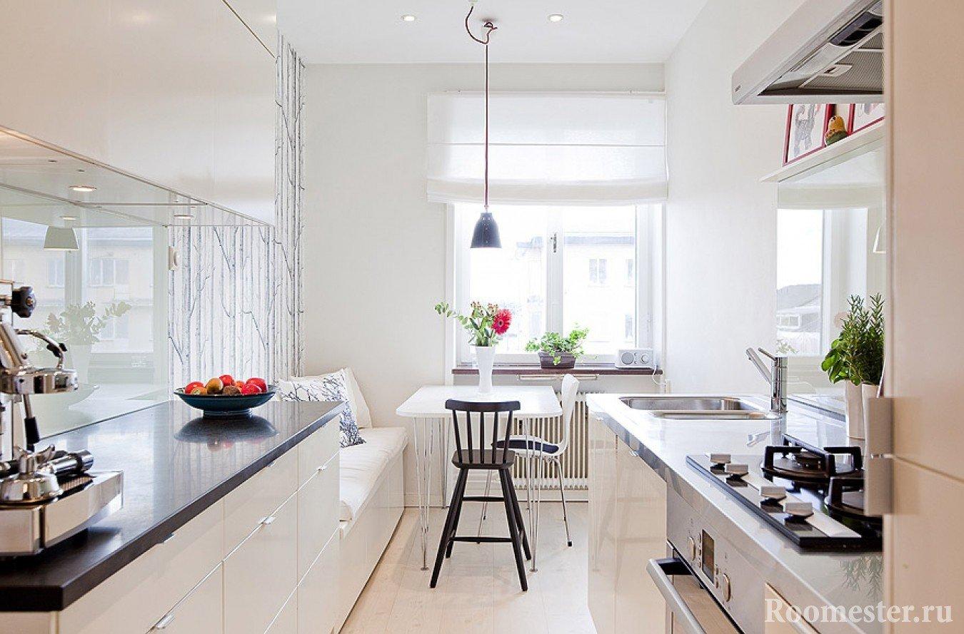 Фото дизайн вытянутой кухни с окном 51