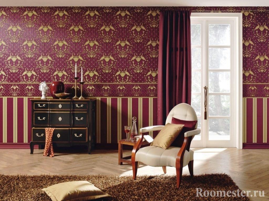 Бардовый цвет в интерьере гостиной