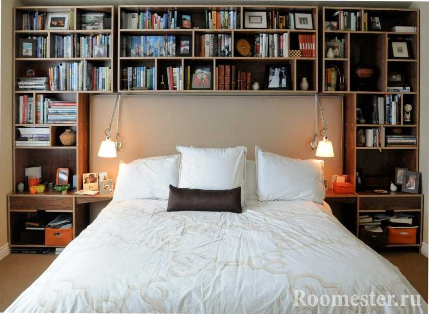 Полки у кровати