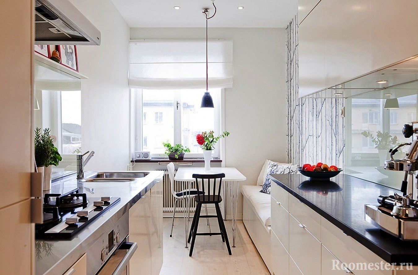 Фото дизайн вытянутой кухни с окном 72