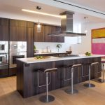 Строгая мебель на кухне