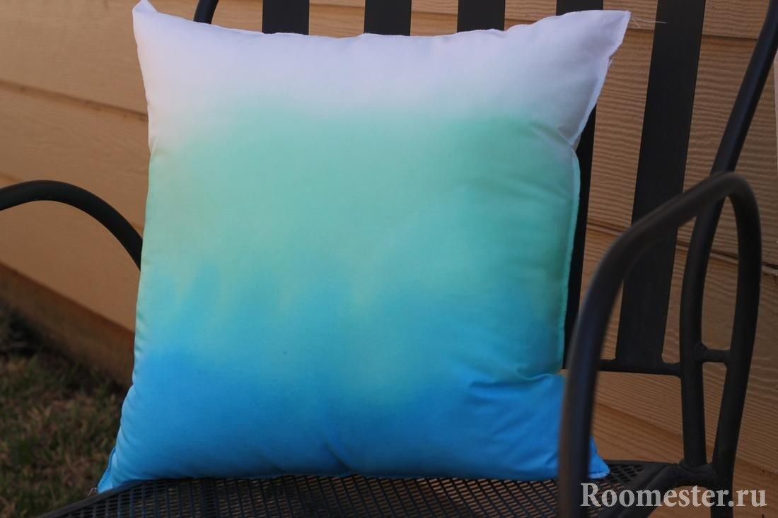 Разноцветная подушка