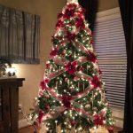 Банты и гирлянды на елке