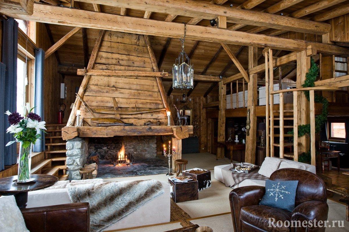 Комната из дерева с камином