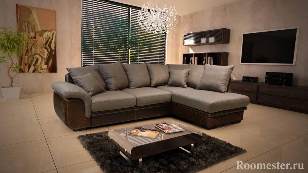 Столик на коврике у дивана
