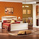 Спальня с шикарной белой мебелью