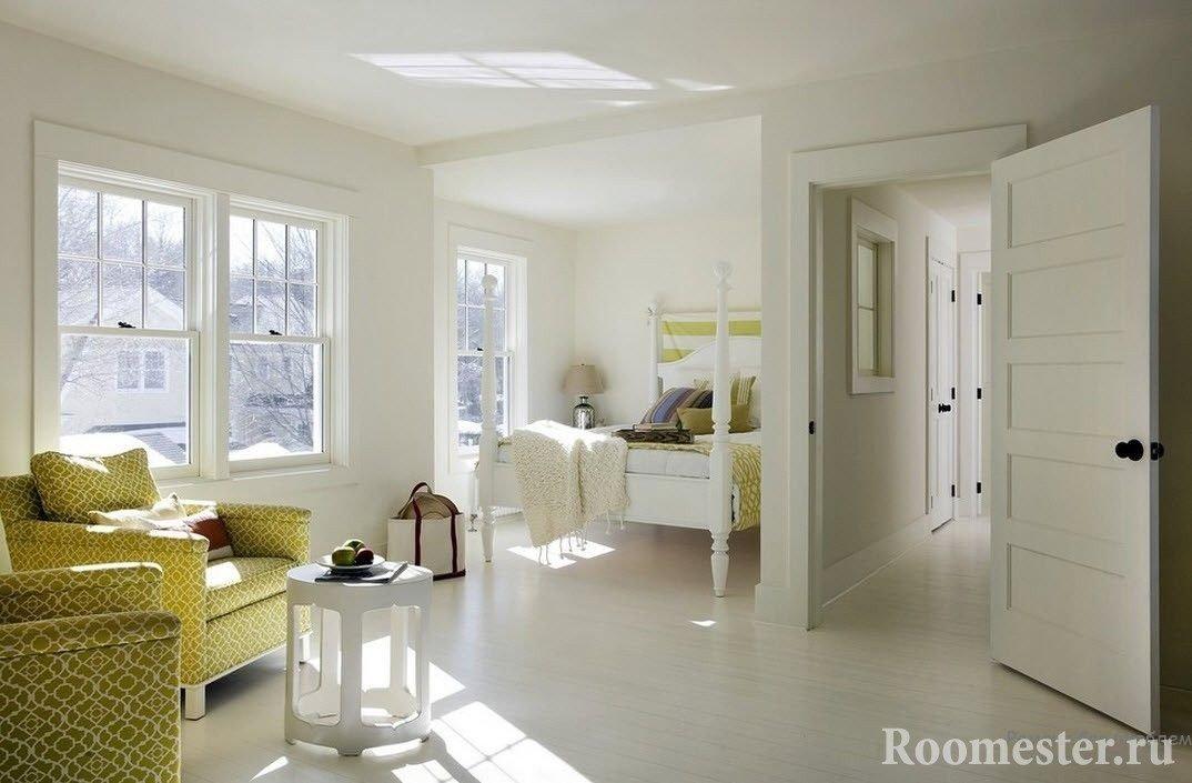 Светлая комната