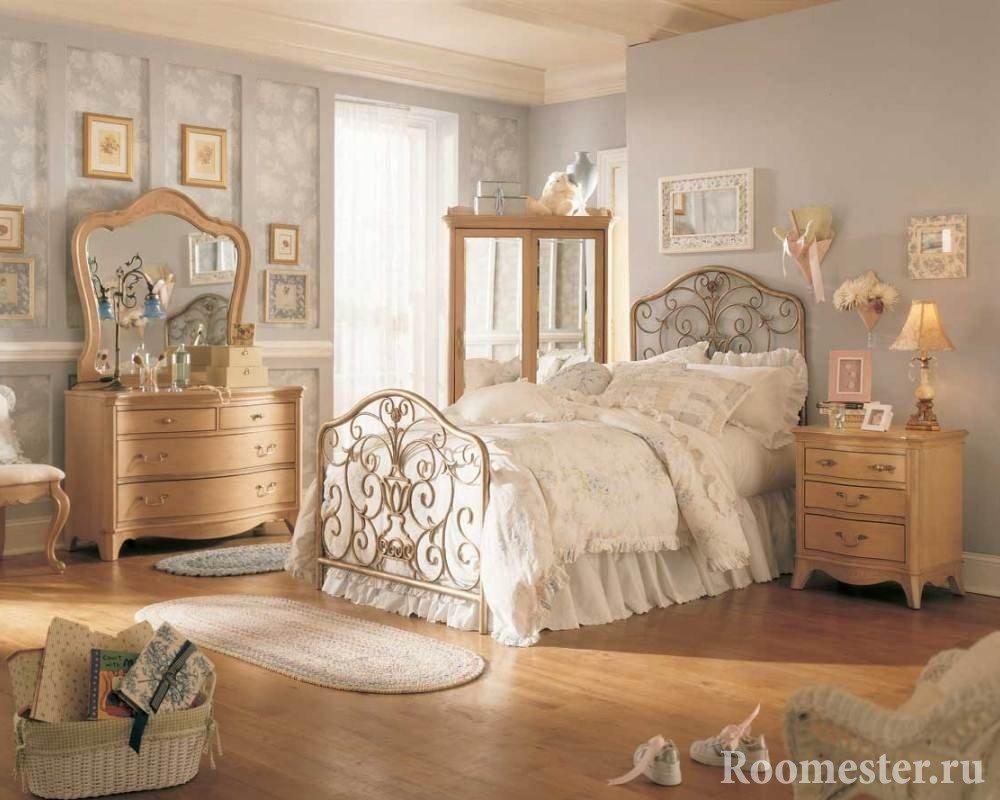 Винтажная мебель в спальне