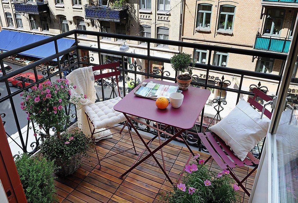 Красивое оформление открытого балкона