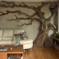 Дерево в интерьере комнаты
