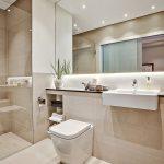 Интерьер ванной с красивой плиткой