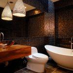 Мозаика на стенах ванной