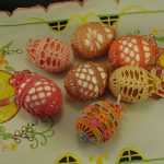 Пасхальный декор - идеи оформления яиц, венка и интерьера 70 фото