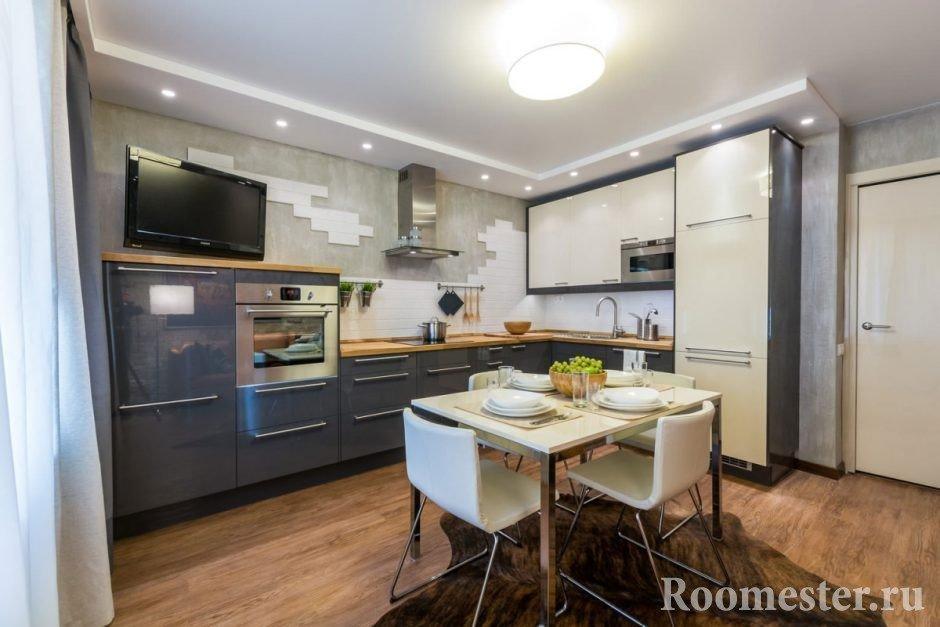 Сочетание серой и светлой мебели на кухне