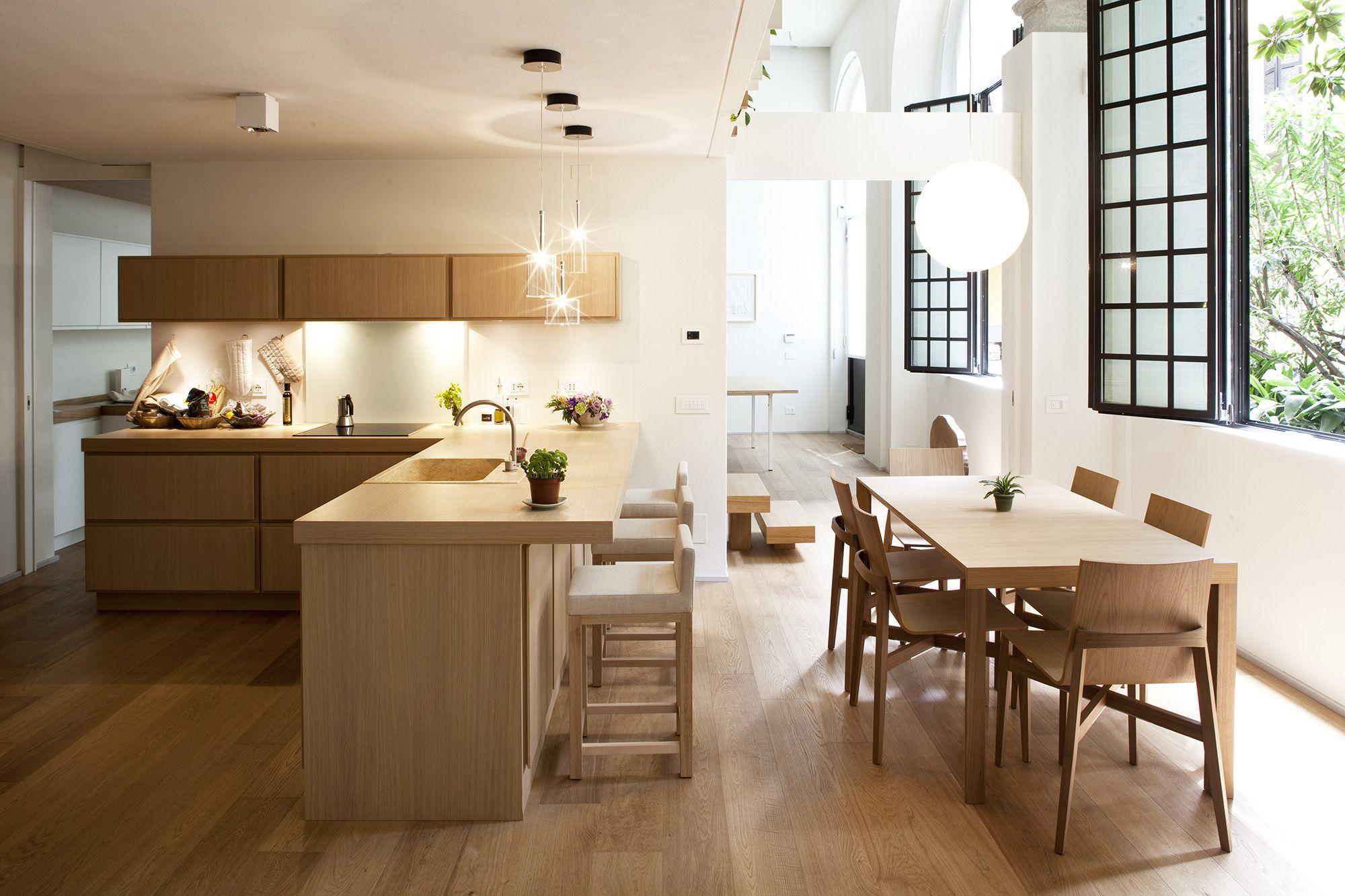 Кухня-студия с угловой планировкой