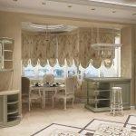 Интерьер кухни с римскими шторами