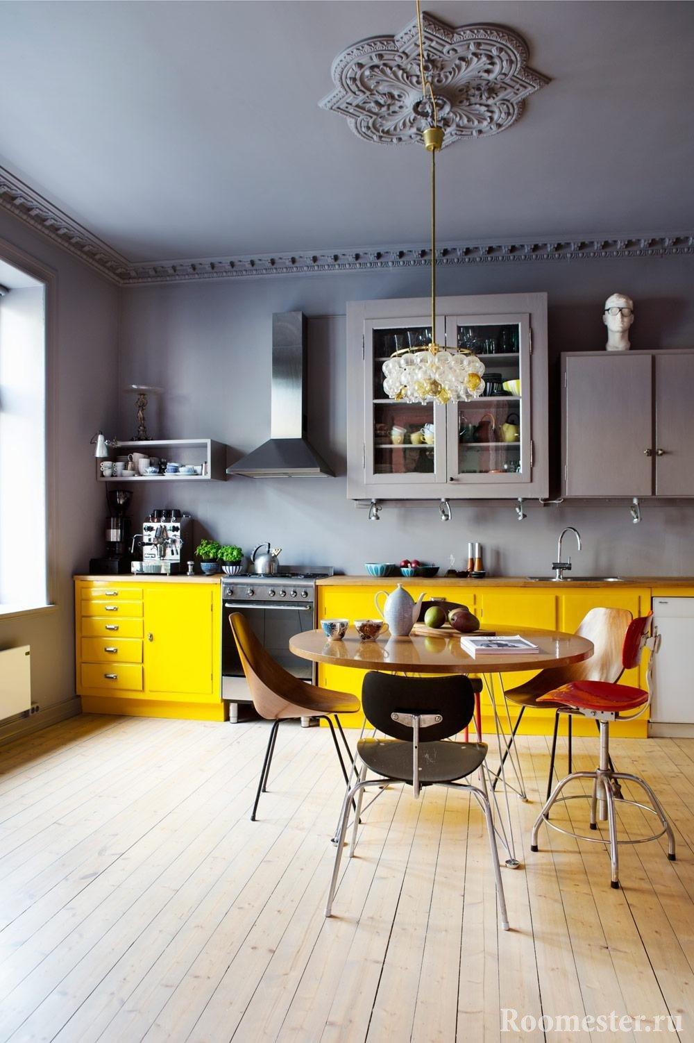 С какими цветами сочетается серый цвет в интерьере кухни фото