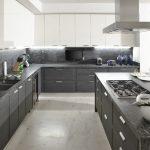 Мраморные столешницы на кухне