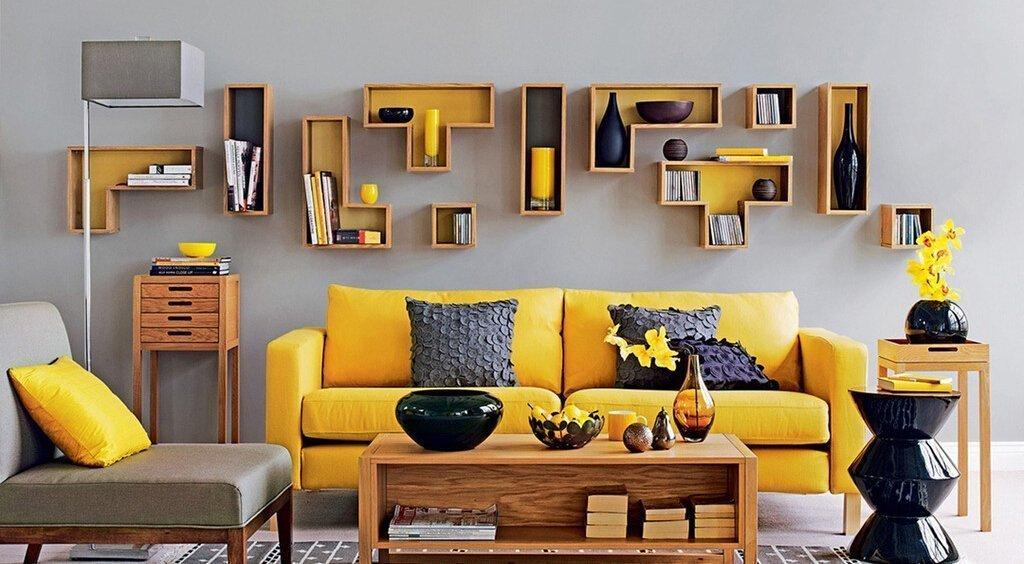 Желтый цвет в сером интерьере