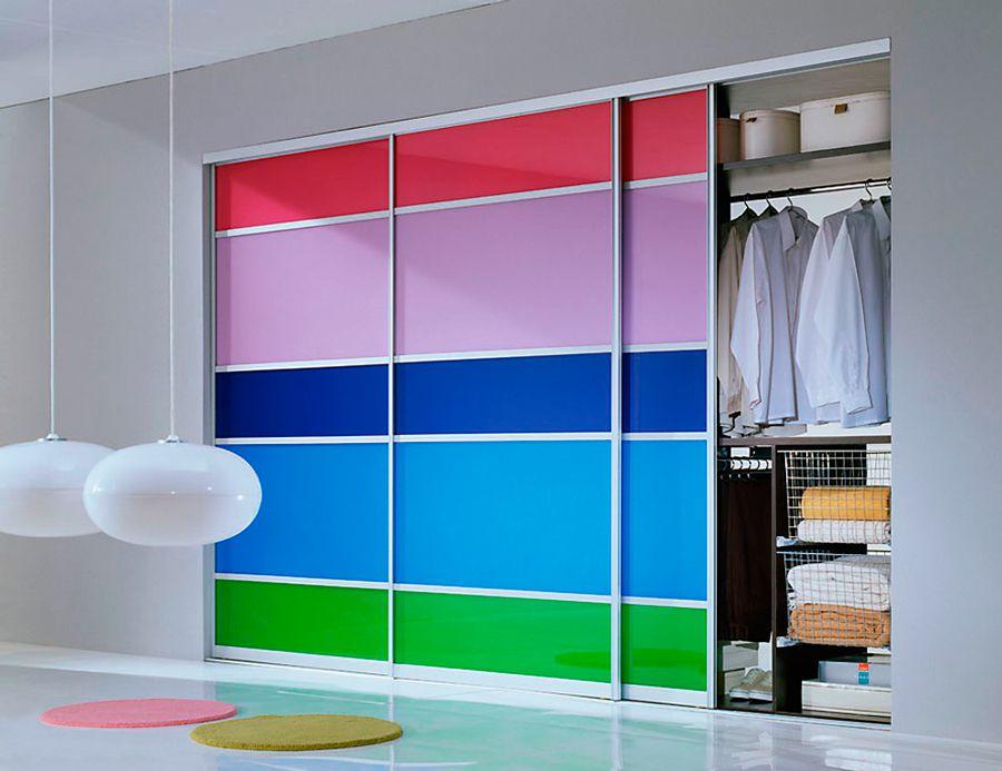 Шкафы-купе в интерьере: дизайн в гостиной, спальне и др. +11.