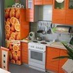 Апельсины на холодильнике
