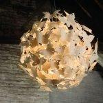 Декор люстры из бабочек
