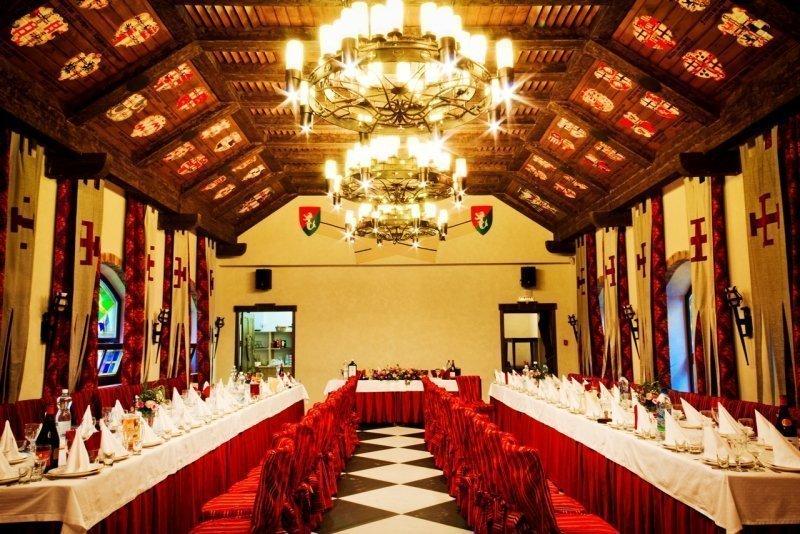 Свадебный зал в стиле Средневековья