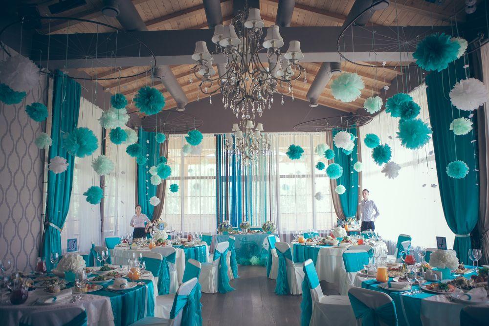 Свадебный зал в в определенном цвете