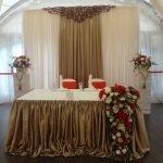 Бронзовый текстиль в свадебном зале