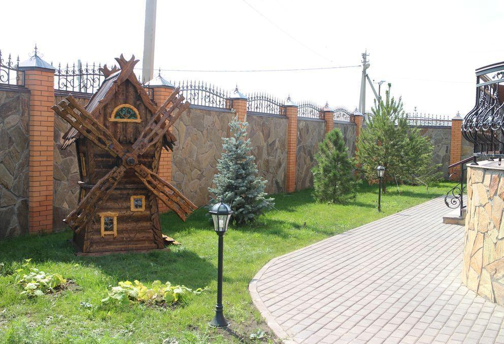 Декоративная мельница в русском стиле