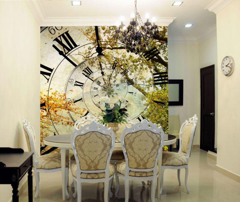 Панно с часами и деревьями на стене