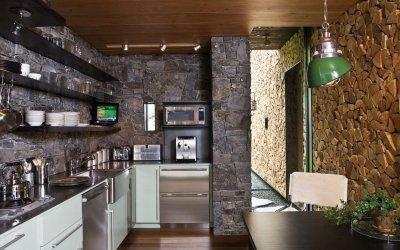 Декоративный камень в интерьере кухни +70 фото