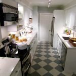 Светлая и просторная кухня