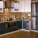 Глянцевая мебель на кухне