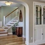 Дизайн лестницы на второй этаж в частном доме 100 фото