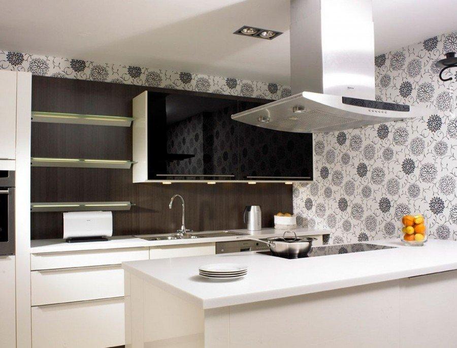 Обои на кухне в стиле модерн