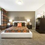 Ковролин на полу спальни
