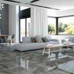 Керамическая плитка на полу гостиной