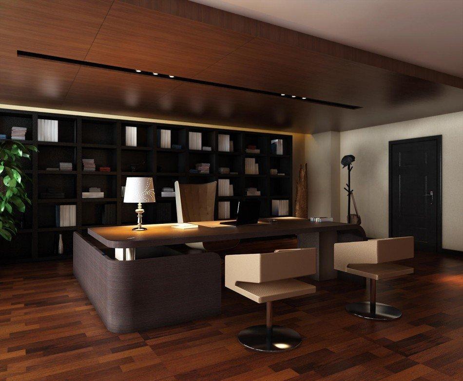 Ламинат на полу кабинета