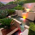 Яркая подсветка на домашнем водопаде
